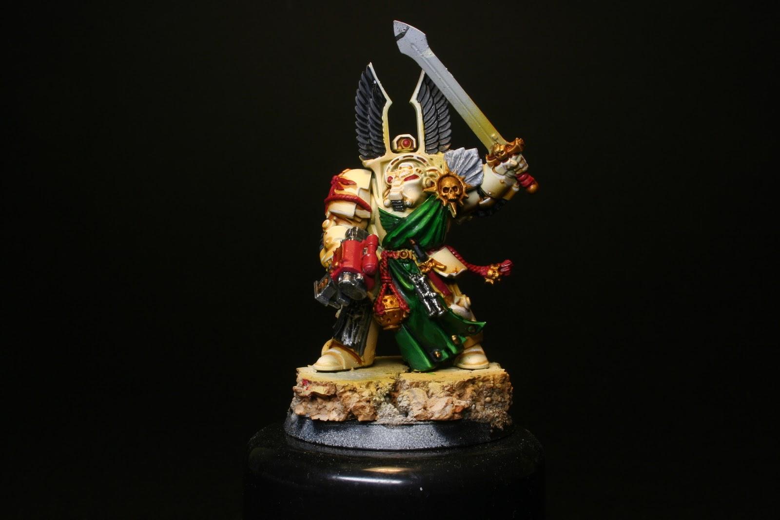 Luces en las plumas en los exterminador de los Ángeles Oscuros de la caja de Warhammer: Venganza Oscura