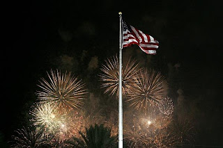 0703-america-mood-independence-day.jpg_full_600.jpg (400×267)