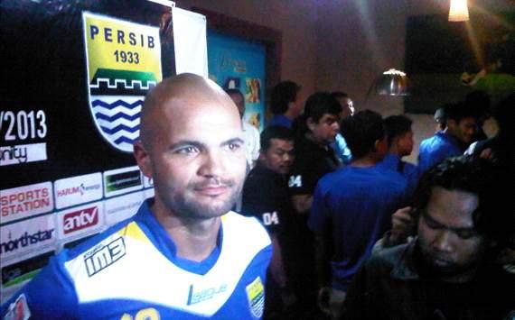 Sergio Van Dijk Resmi Gabung Persib Bandung