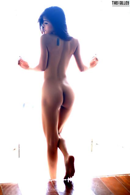 juliana young   nude ieatxgirls