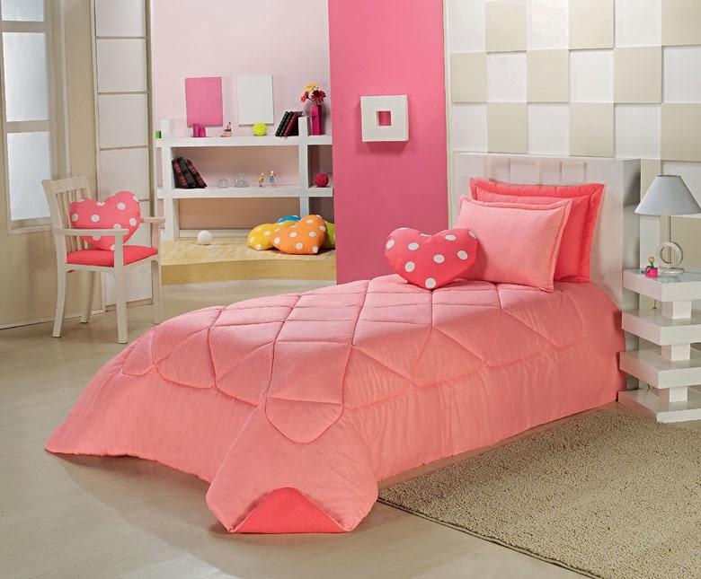 Dormitorio juvenil en tonos rosa dormitorios colores y - Decorar cama con cojines ...