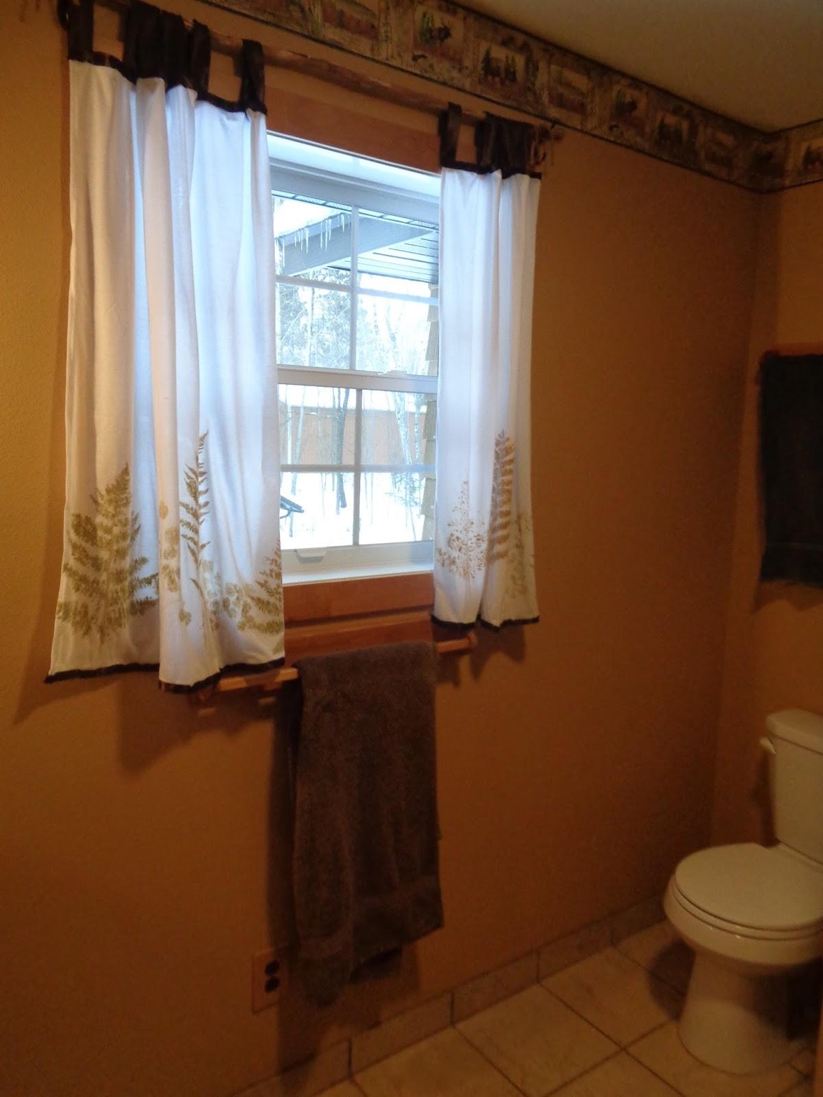 Proverbs 31 living an upstairs bathroom tour for Megan u bathroom tour