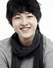 Biodata Song Joong Ki Pemeran Kang Ma Roo