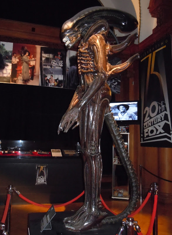 Alien movie replica statue