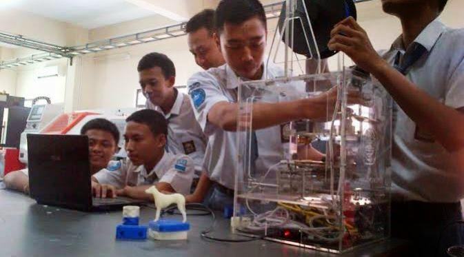 Siswa SMK Sukses Ciptakan Printer Pencetak Benda 3 Dimensi