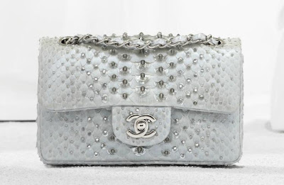 Bolso Chanel 2.55 tachuelas plateado