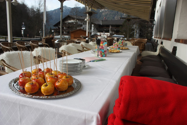 Winterhochzeit - Empfang auf der Seeterrasse am Riessersee, Garmisch - Winter wedding reception on the lake terrace