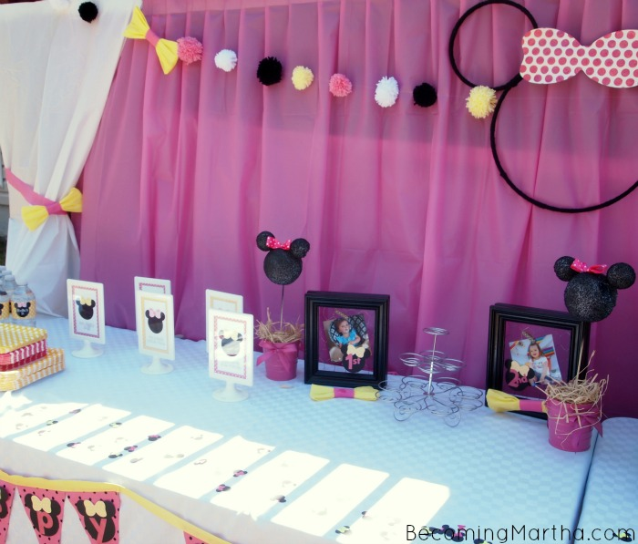 Minnie Mouse Party Decor Becoming Martha