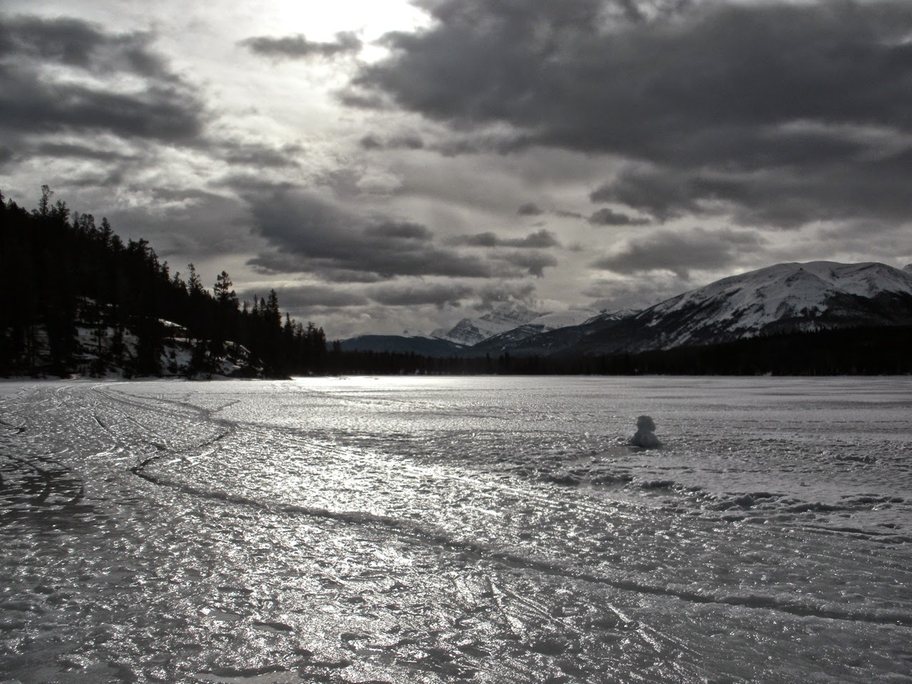 pyramid lake jasper winter