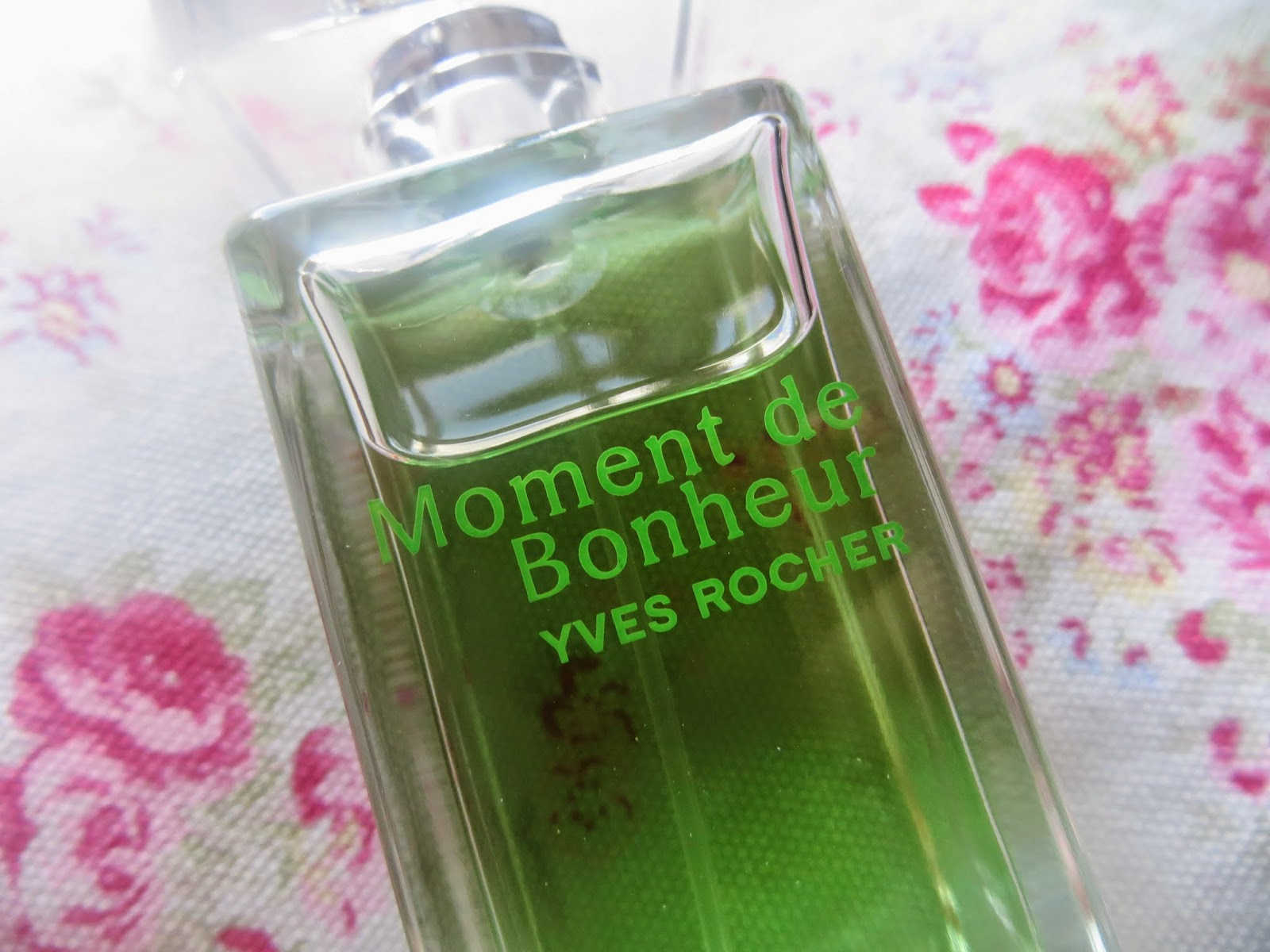 Review, Blogger, Yves rocher, perfume, apple perfume, rose perfume, pretty, summer, fresh smell, green, rose, beauty, makeup review, Baobella