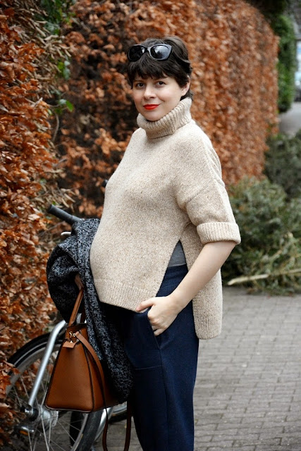 Maternity clothes, Umstandskleidung, Xenia Metelski, Massimo Dutti, Esprit pants, Burberry Sonnenbrille