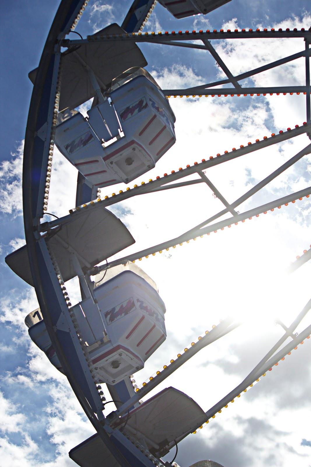 ferris wheel in sun