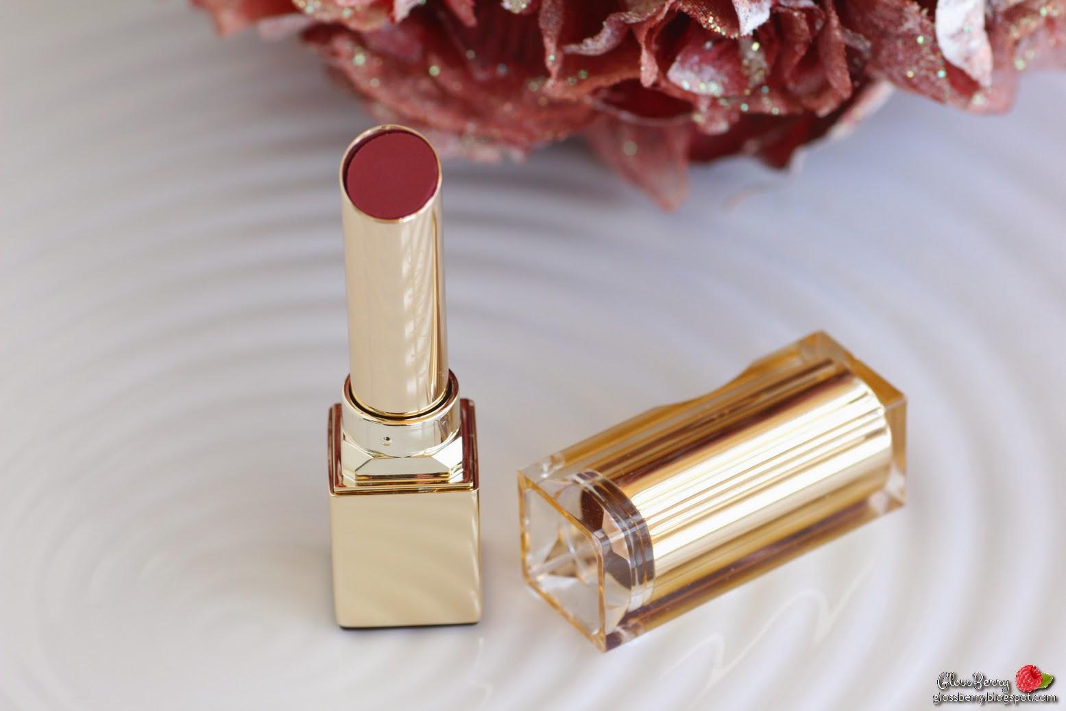 Clarins - Rouge Eclat - 06 True Aubergine שפתון מומלץ לחורף לסתיו קלרינס שזיף חציל סגול בורדו סקירה swatch review lipswatch