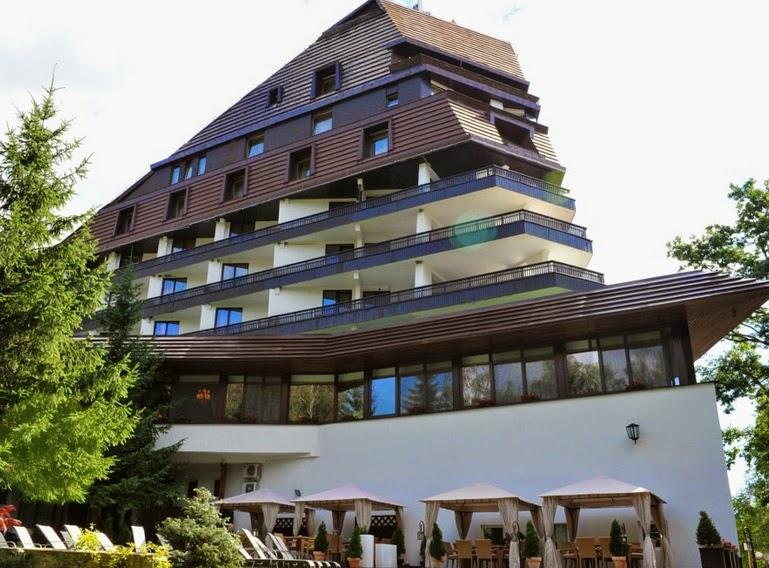 Revelion 2015 POIANA BRASOV Hotel ALPIN pret 839 euro de persoana