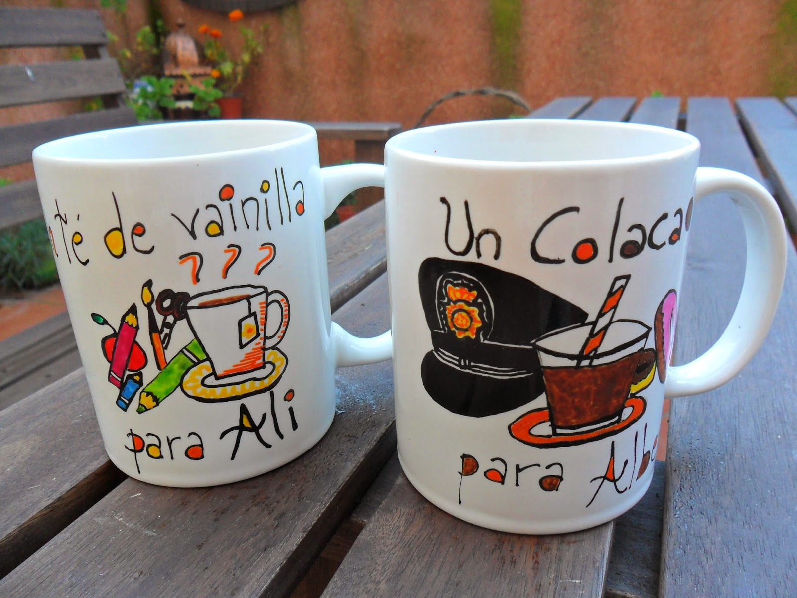 Abalorios y otras joyas decoraci n de tazas de porcelana for Tazas de porcelana