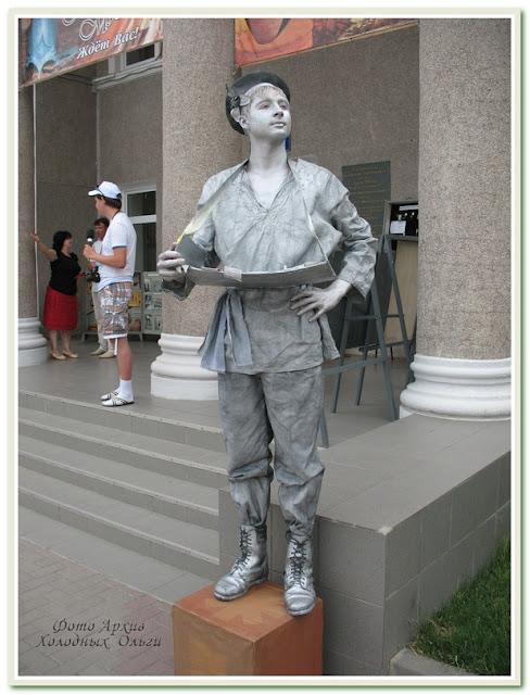 Остатки Геленджика: ожившие статуи и трансформированные матрешки
