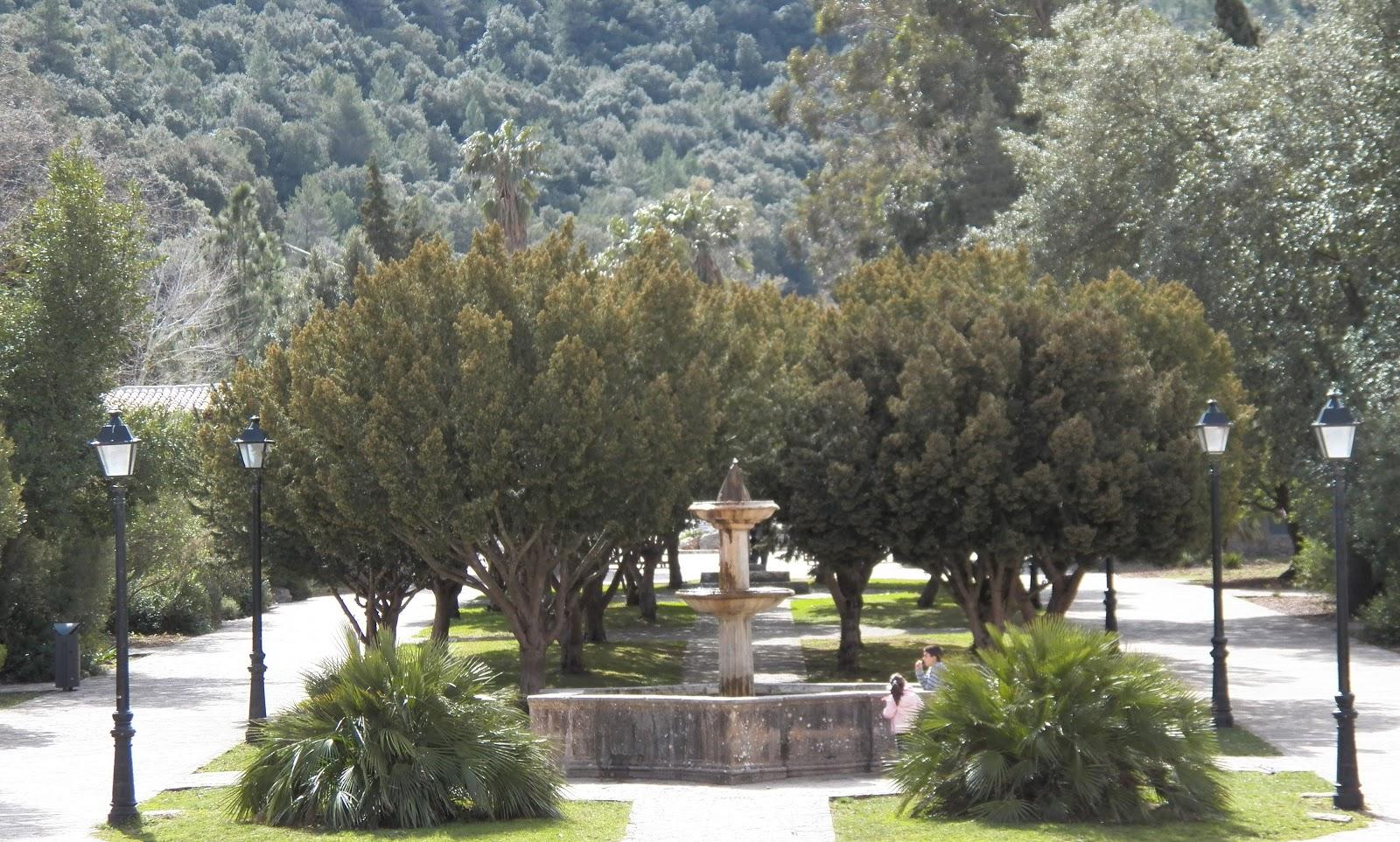 TEJOS DE ESPAÑA: Monasterio de Lluc. MALLORCA.