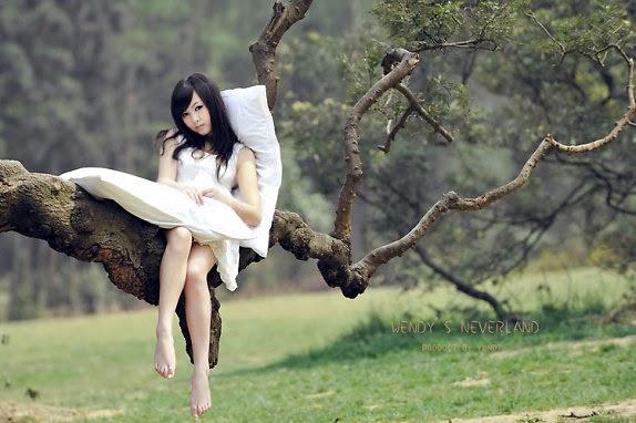Bạch Tuyết ngủ trong rừng chăng