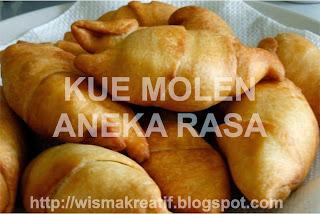 Membuat Kue Molen Aneka Rasa
