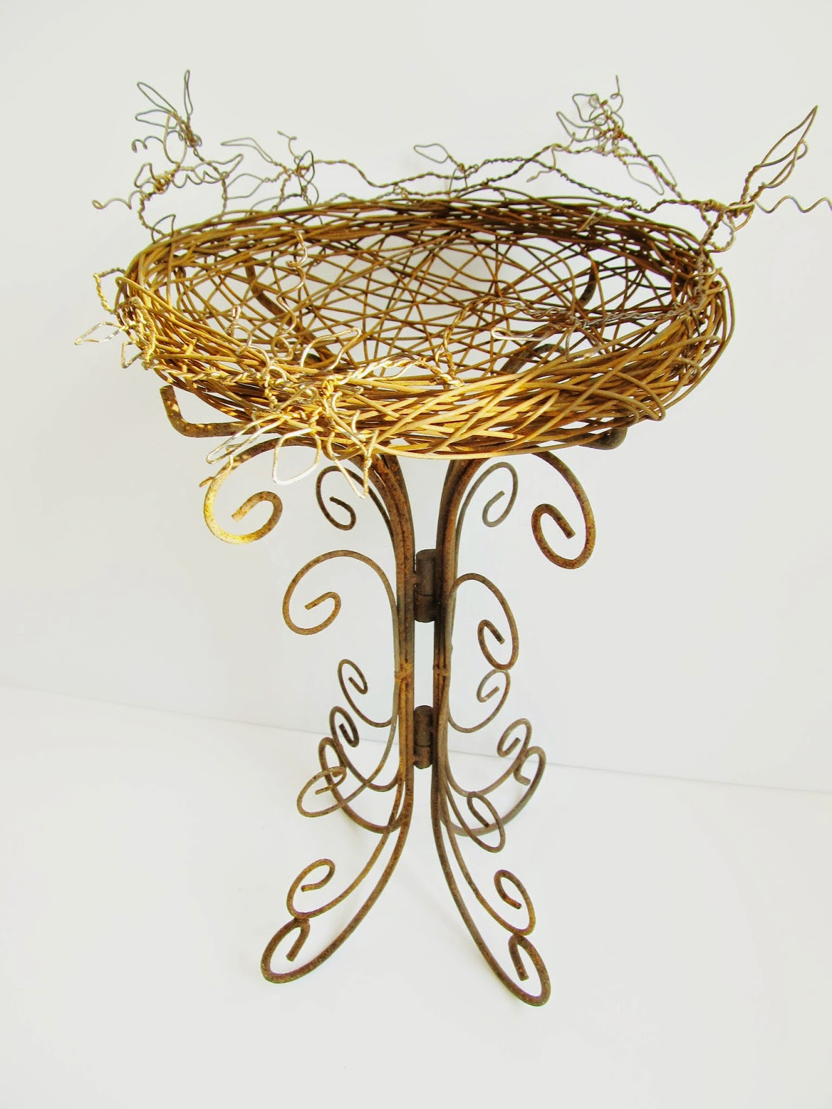 Sassytrash: Recent Wire and Assemblage Creations