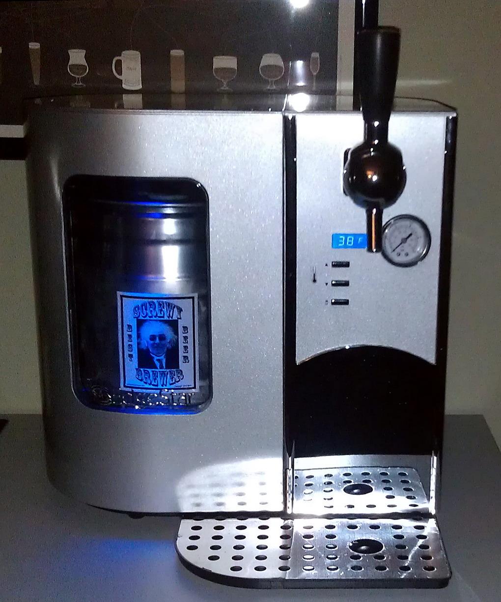The Screwy Brewer Edgestar Deluxe Mini Kegerator