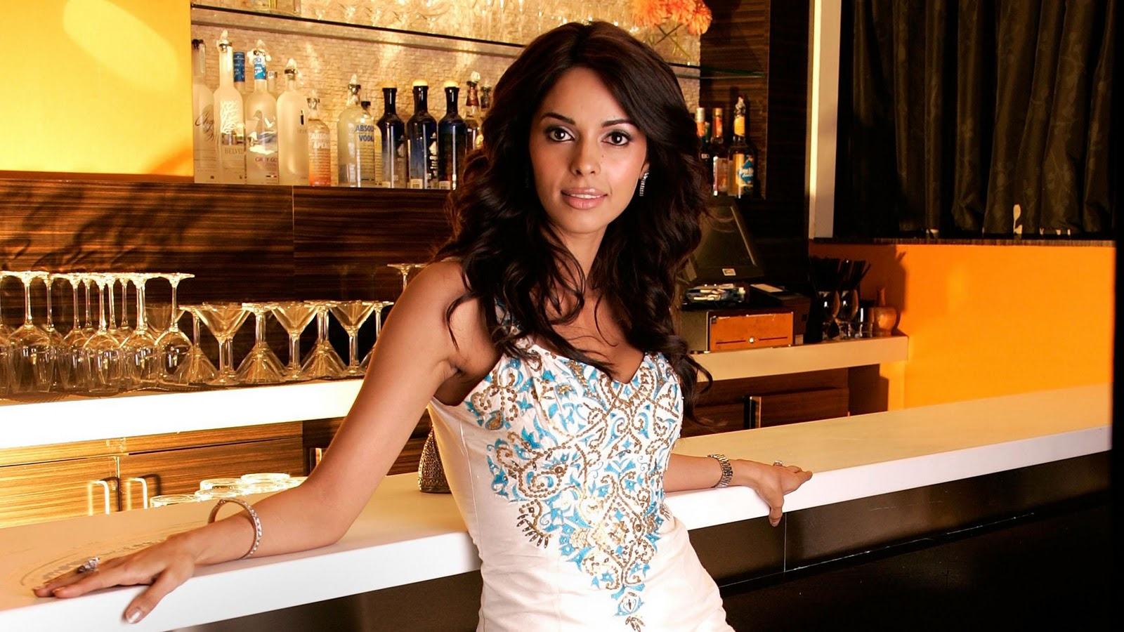 hd wallpapers of malika sherawat | amazing arts