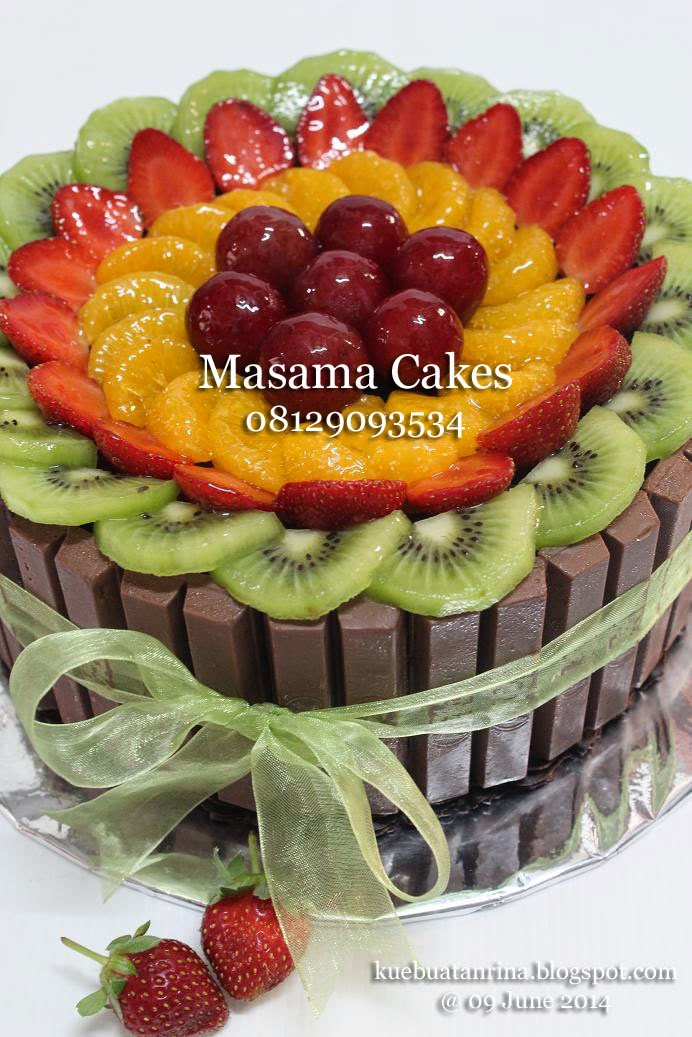 Masama Cakes Chocolate Cake with Fruits Topping and Kit Kat