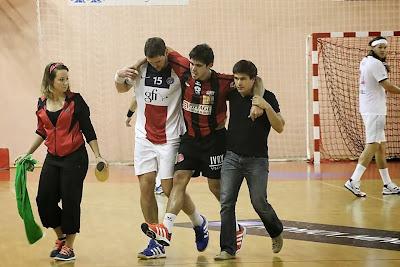 Pablo Simonet lesionado, deberá pasar por quirófano - Foto gentileza @SportClown