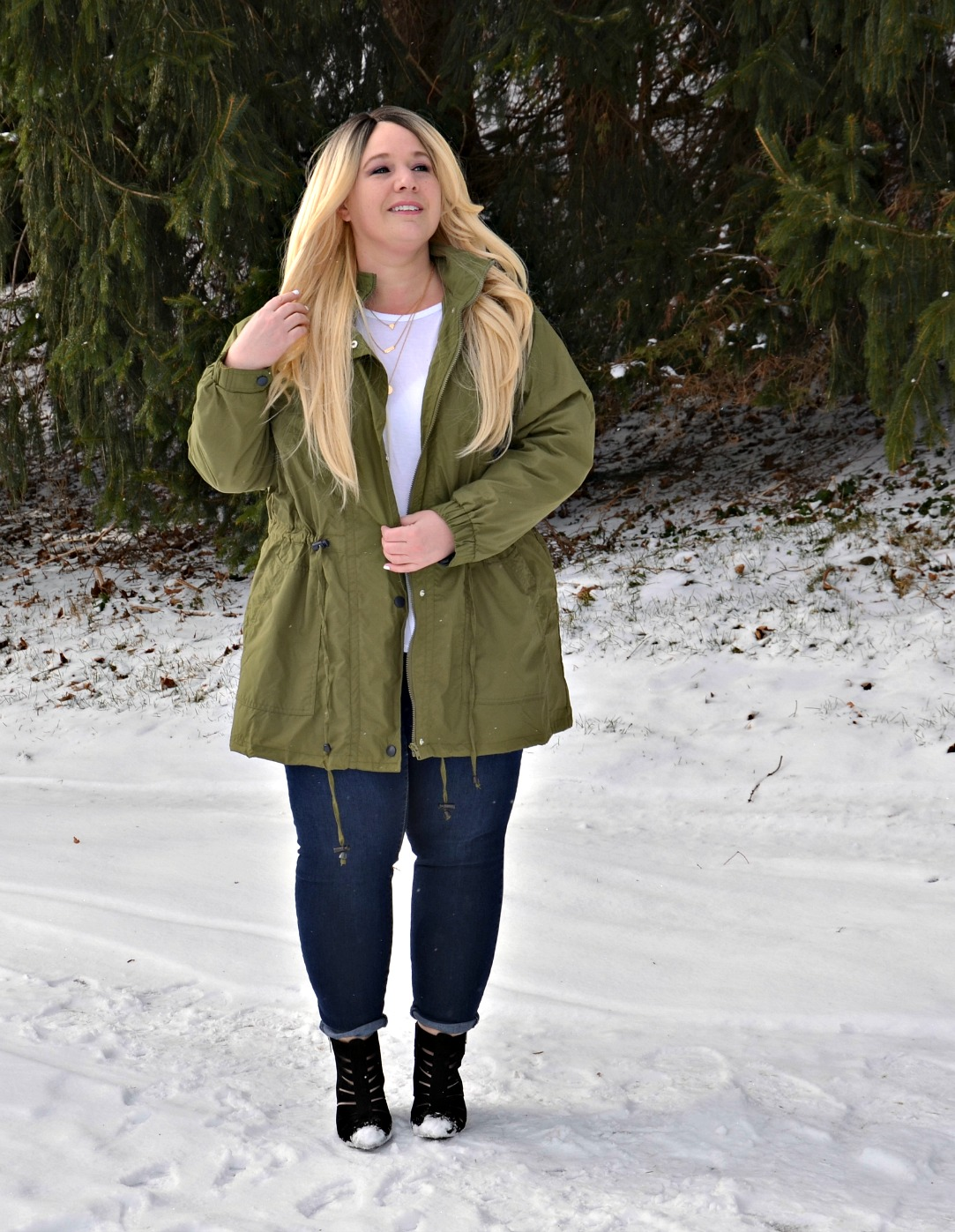 Plus size anorak jacket skinny jeans outfit