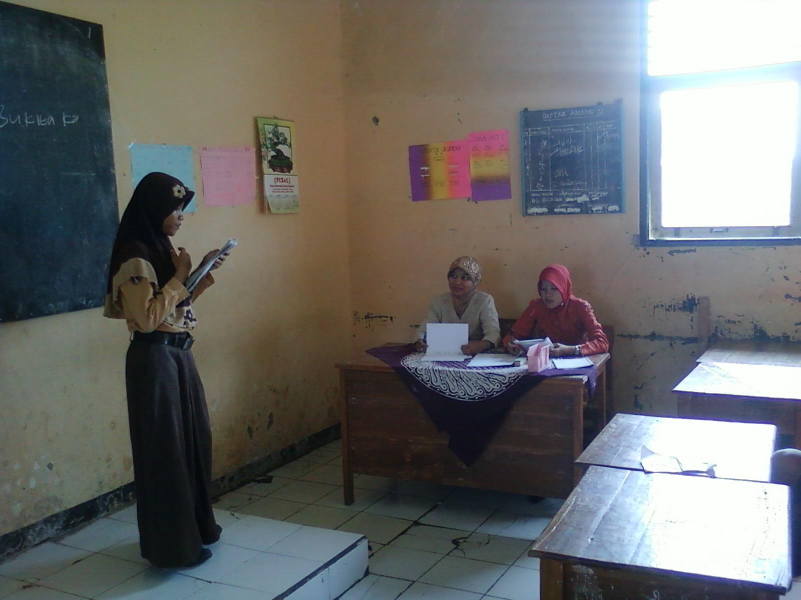Lomba Baca Puisi Bertema Kartini Dengan Juri Ibu Tarodah Dan