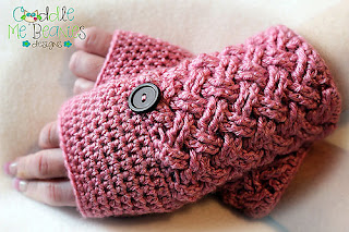 Cross My Heart Gloves by Cuddle Me Beanies