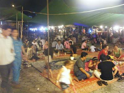 Ночной рынок, воскресенье, Камбоджа, Пном-Пень