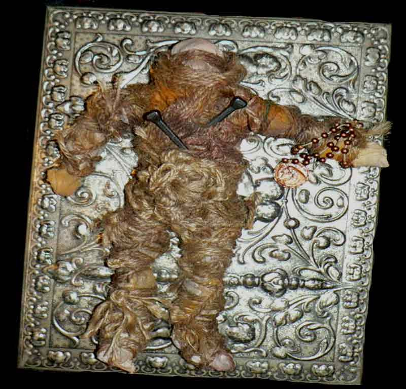 Boneka Haunted Doll Voodoo