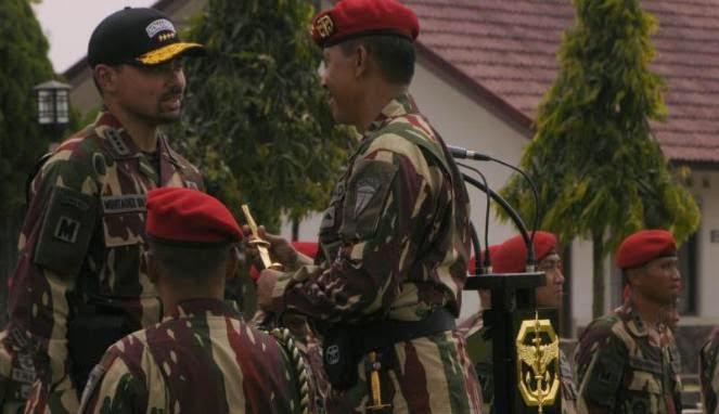 Putera Mahkota Brunei Dianugerahi Brevet Komando