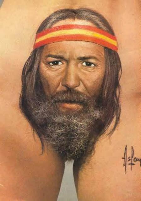 Tatuaje viejo barbudo en la vagina