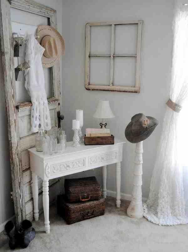 Stare drzwi jako dekoracja shabby chic