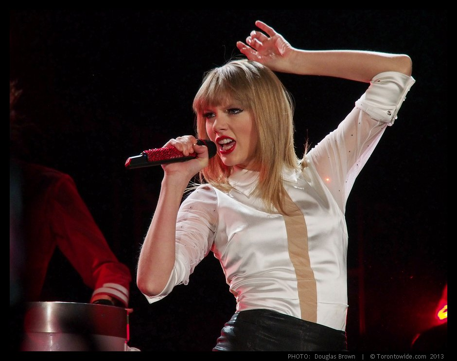 review of taylor swifts red concert at rogers centre