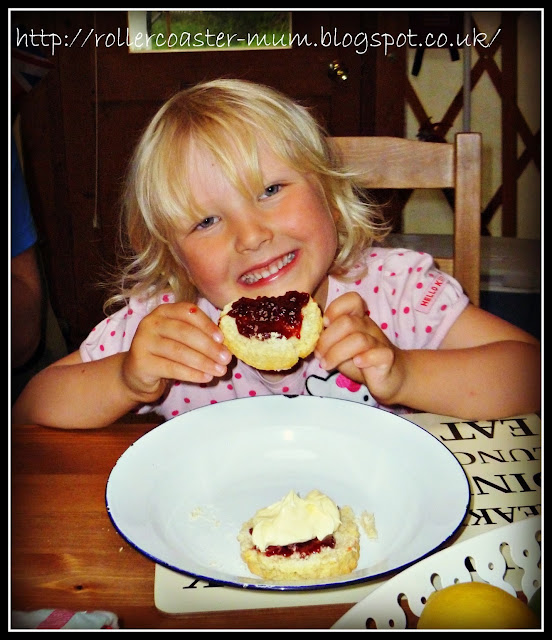 Cornish cream tea with Helsett clotted cream
