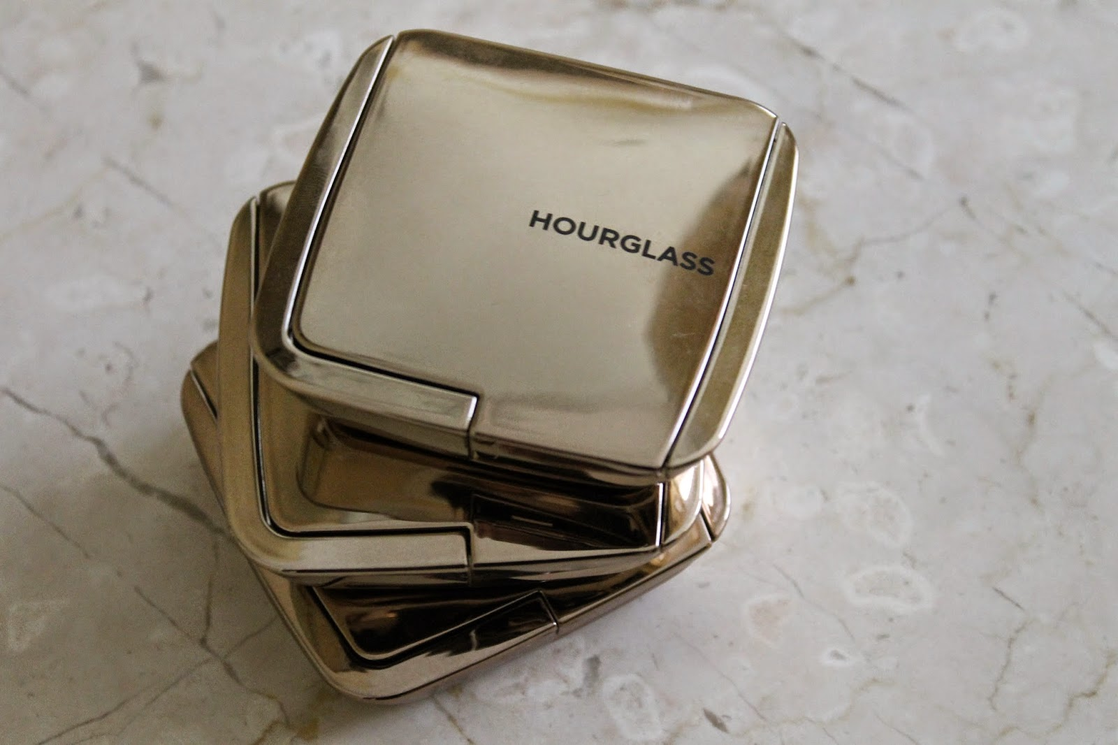 WHY THE HOURGLASS AMBIENT LIGHTING BLUSHES ARE AMAZING