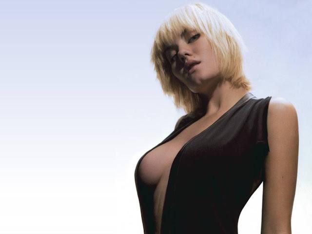 Hot Elisha Cuthbert Pictures