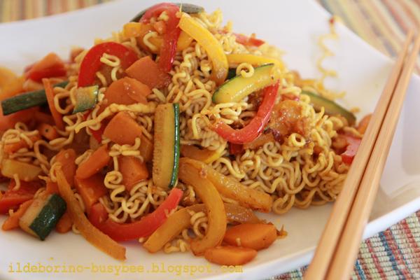 Ildeborino busy bee pranzo veloce noodles con verdure for Cucinare noodles