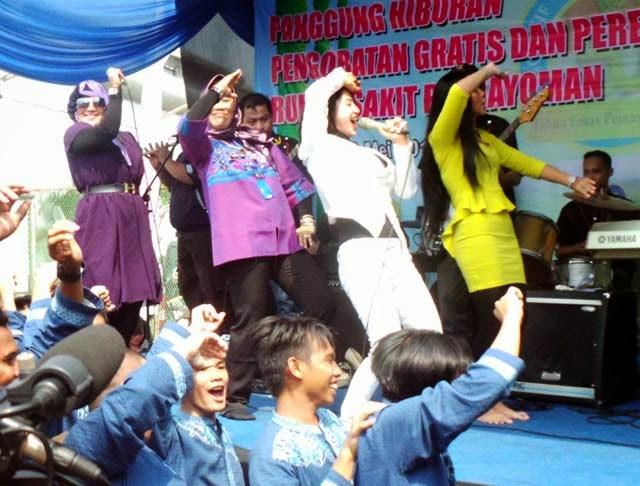 Aksi Goyang Dewi Persik Di penjara