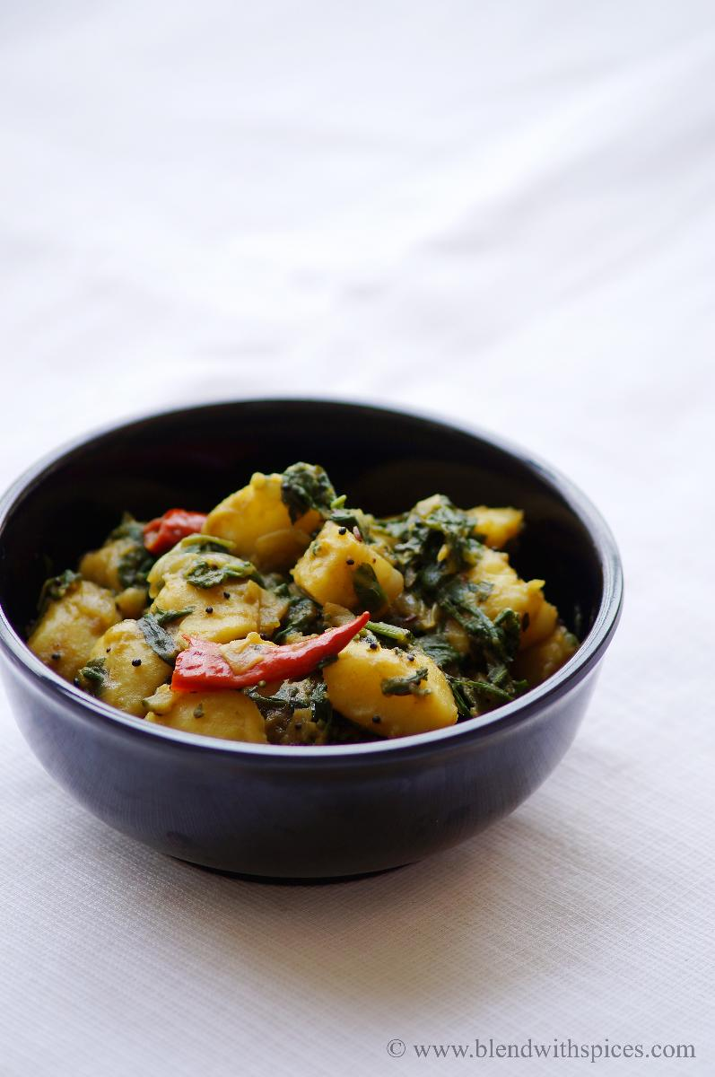 saag aloo recipe, aloo saag recipe, how to make saag aloo, potato recipes