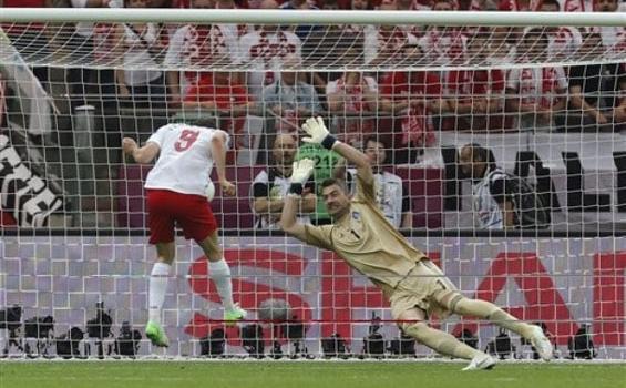 Polandia vs Yunani