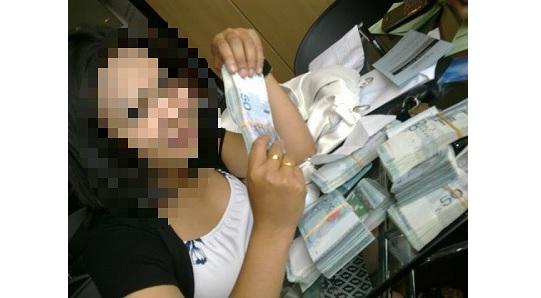 Padah Tayang Duit dalam Facebook, Lihat apa terjadi kepada Wanita ini