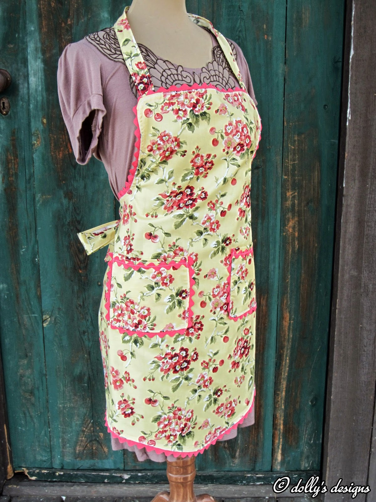 Blue apron interview - I Kept Seeing All These Great Aprons That Dolly Was Creating And When She Designed One Based On Her Grandmother Cora S Original Pattern I Jumped On It