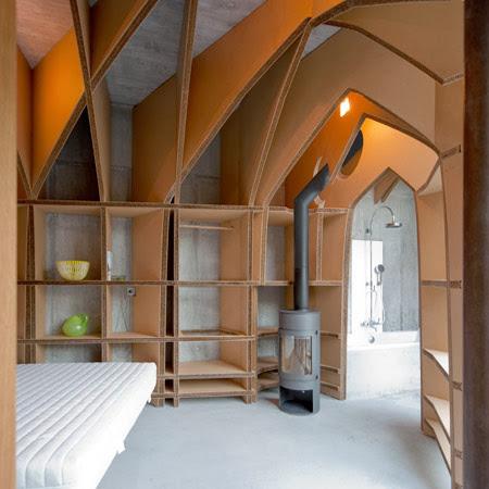 Autocostruzione in camera una cattedrale di cartone grazie a jeroen van mechelen - Casa di cartone ...