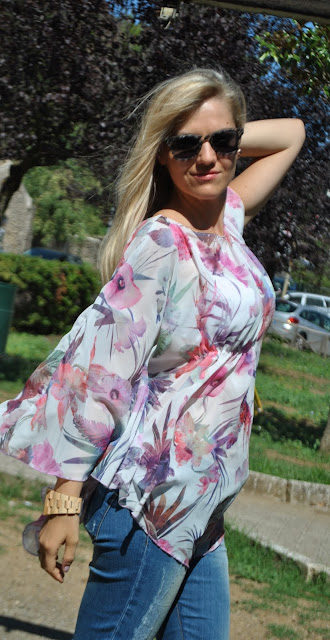 jeans e camicia outfit jeans e camicia come abbinare jeans e camicia jeans skinny e camicia caftano stampa a fiori come abbinare la stampa a fiori come abbinare la stampa floreale abbinamenti stampa a fiori mariafelicia magno fashion blogger colorblock by felym fashion blog italiani fashion blogger italiane blog di moda blogger italiane di moda outfit estivi outfit settembre 2015 ragazze bionde blonde girls blonde hair caftano stampa a fiori floral print outfit how to wear floral print summer outfits fashion bloggers italy italian girls