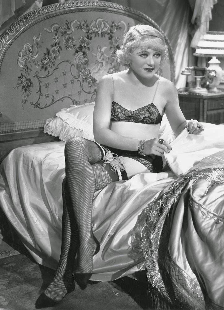 Vintage female Nude Photos 8