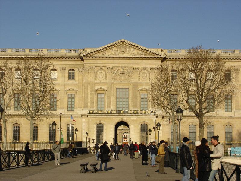 El Museo del Louvre, de donde fue hurtado el cuadro y donde hasta la fecha se exhibe.